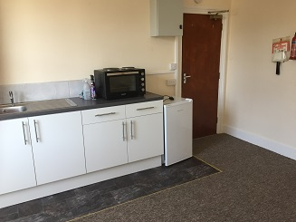 Bedsit Accommodation Rental Suit Single Professional Person. High Wycombe, Bucks